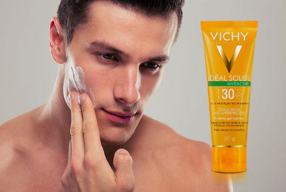 homem-no-espelho-vichy-protetor-solar-contra-acne