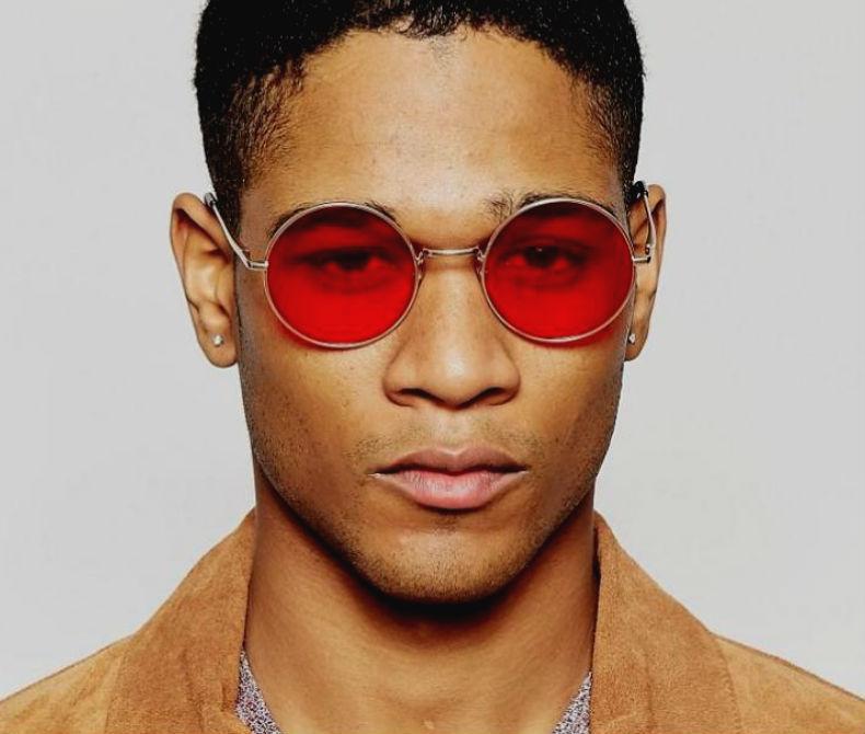 Homem No Espelho - Cores das lentes dos óculos escuros - de sol - lente vermelha