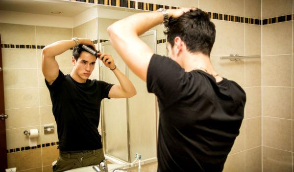 Como se preparar para um chamada de vídeo - Homem No Espelho