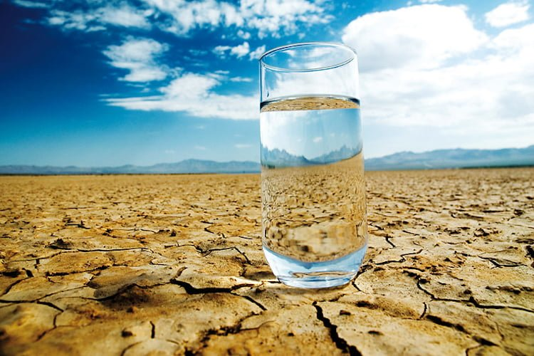what is dehydration what causes People with diabetes have an increased risk of dehydration as high blood glucose levels lead to decreased hydration in the body.