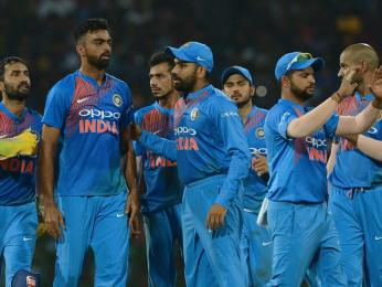India continued winning streak, storm into final