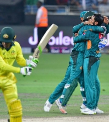 Pakistan clinch T20 series against Australia