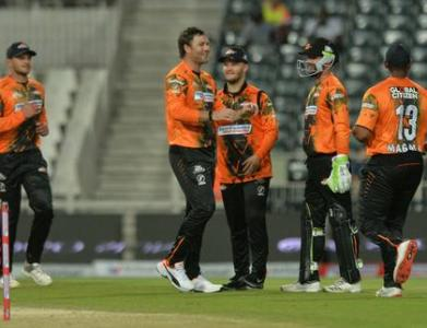 NMB Giants Power To Easy Win Over Durban Heat