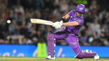 Hobart Hurricanes stun Sixers to win BBL tournament opener, match report and, highlights