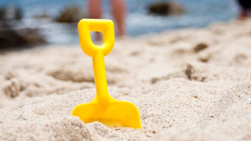 Australian Homeschoolers Clean Up Local Beach