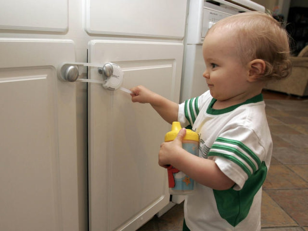 10 Tips To BabyProof Your Home  Dont Skip 1