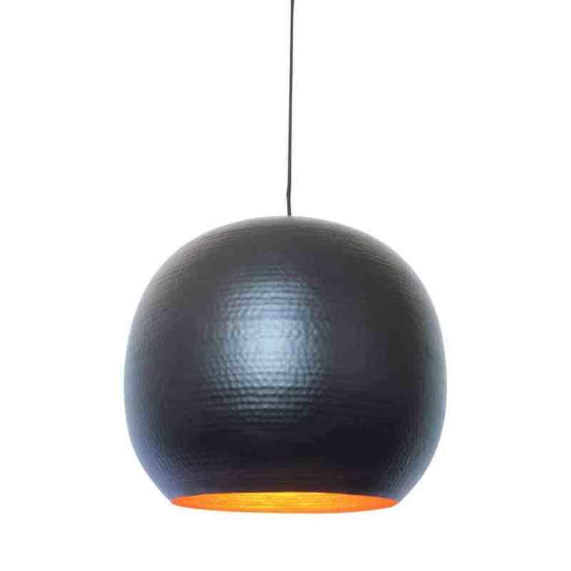 Hippe hanglamp Artisan XL zwart, van metaal met een koperen binnenzijde voor een mooi sfeervol licht | verkrijgbaar in drie kleuren en twee maten | www.homeseeds.nl