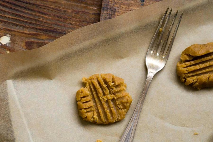 peanut butter crisscrosses | Homesick Texan