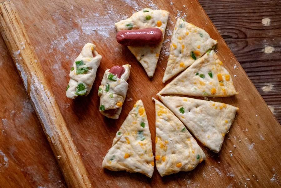 Pigs in jalapeno cheddar pretzel blankets | Homesick Texan