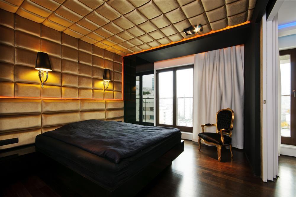 Modernistyczna sypialnia w stylu glamour  Architektura