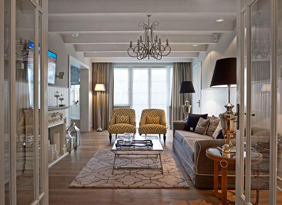 Nietuzinkowy salon w stylu modern classic  Architektura