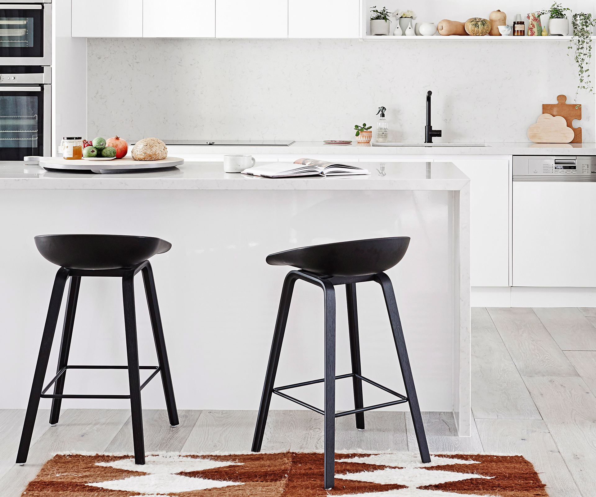 11 kitchen bar stools and how to choose the right one
