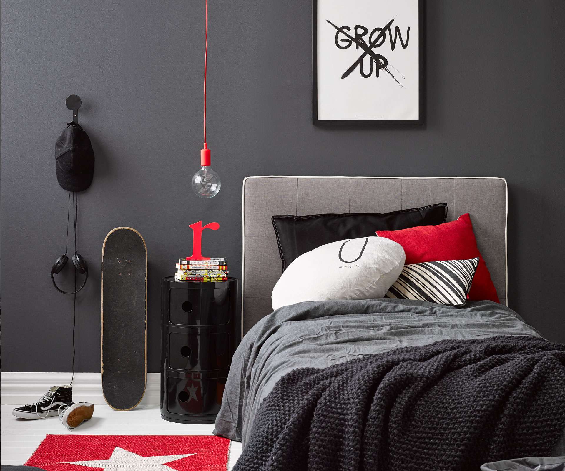 Kids bedroom ideas A dramatic monochrome room perfect