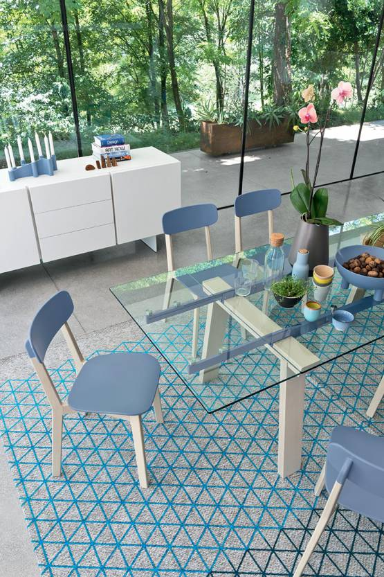 CREAM CHAIRS & TABLE LEVANTE BY CALLIGARIS