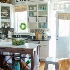 Living Rooms Decorated By Joanna Gaines Pictures Of Modern Traditional How To Make A Vintage Kitchen Sign