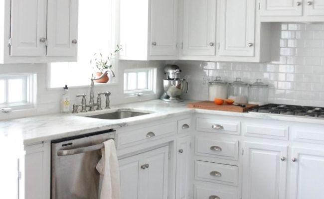 11 Beautiful Farmhouse Kitchens
