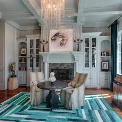 Casual Elegant Living Room Furniture White Set Ideas Kelly Clarkson's Home In Tennessee That She's Selling For ...