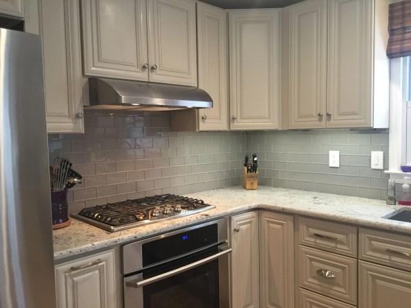 Kitchen Tile Backsplash with White Cabinets