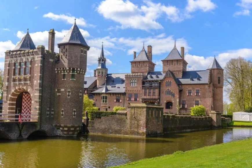 750 best castles in