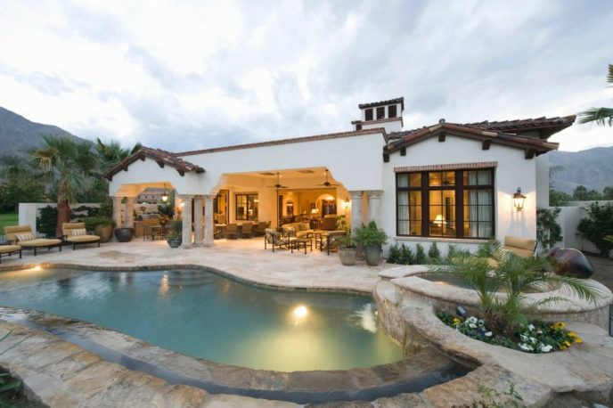 Estimating the Value of a Homes Worth in Phoenix Arizona