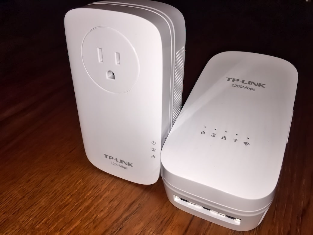 TPLINK WiFi Extender with Powerline Adapter