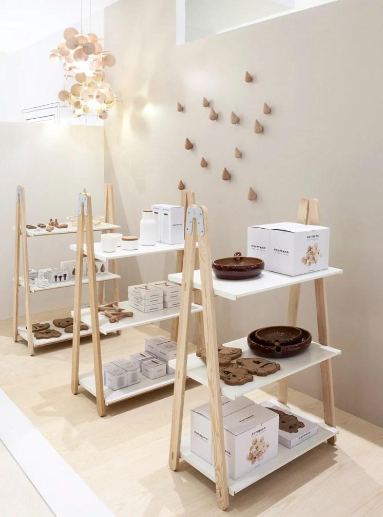 Guia de decora o com cavaletes de madeira - Mobiliario pop art ...