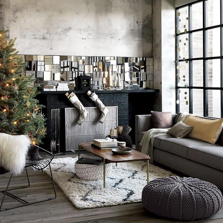 11-living-room-with-mood-enhancing-lights