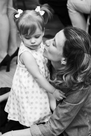 Carla Brandão e sua filha Maria Luiza.