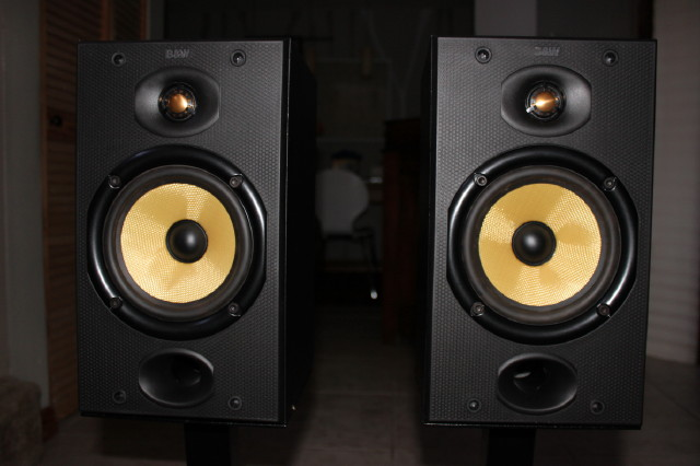 SOLD BW Bowers  Wilkins speakers DM601 Plateau stands