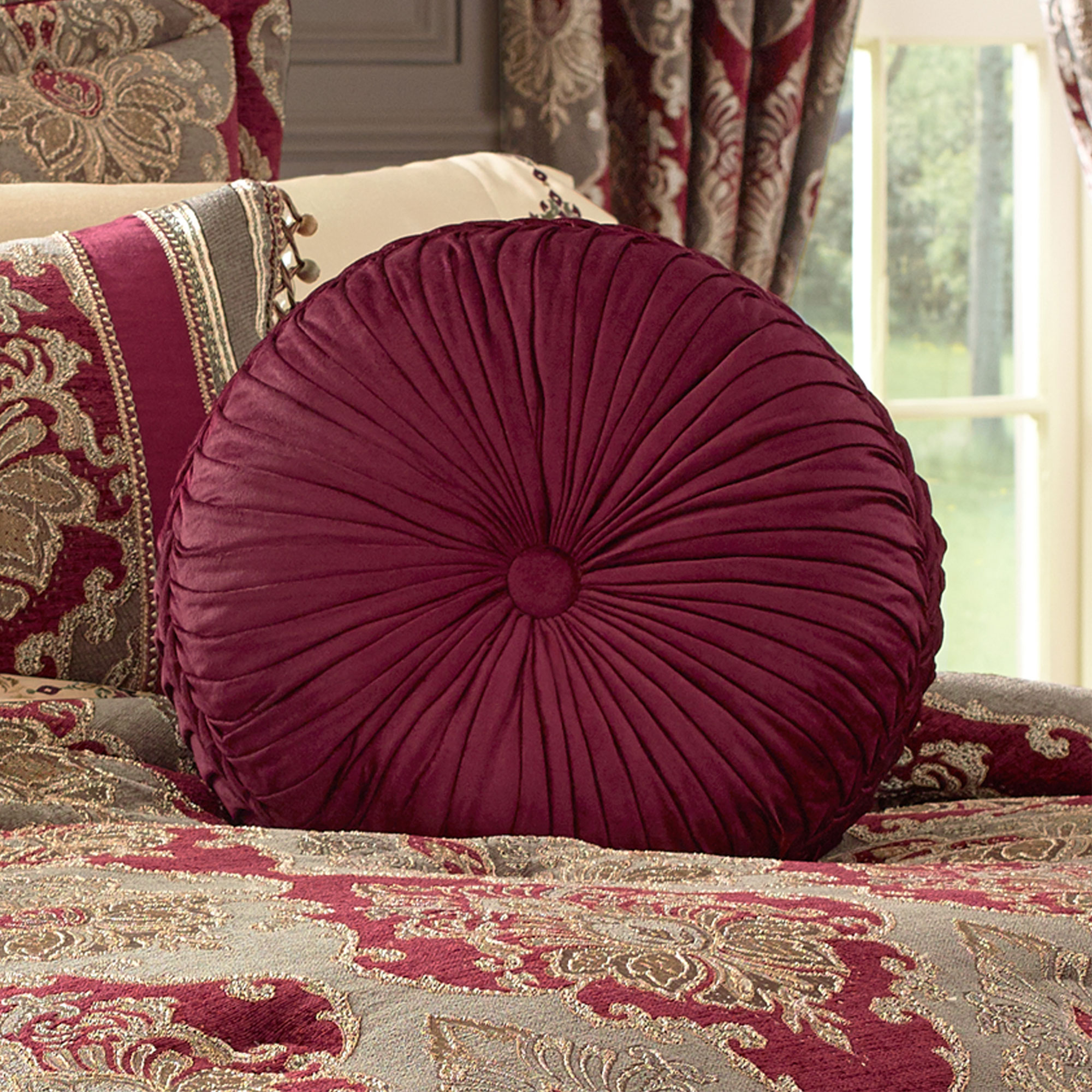Crimson Cal King 4Piece Comforter Set