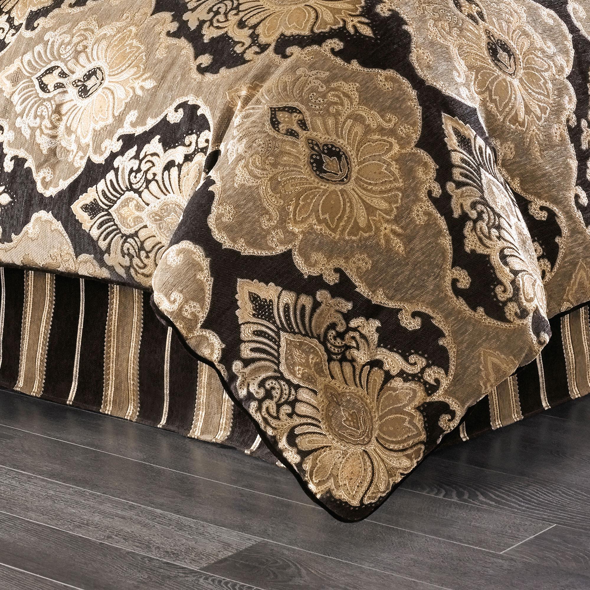 Bradshaw Black 4 Piece Comforter King Set