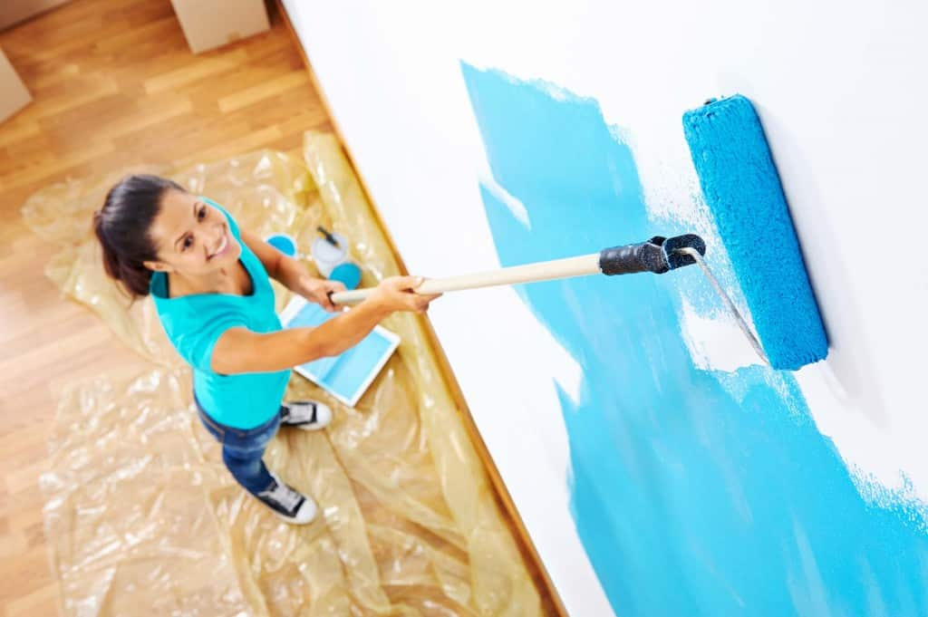 How to Paint Walls & Ceilings