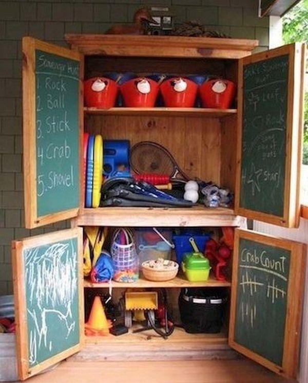 Kid's toy closet