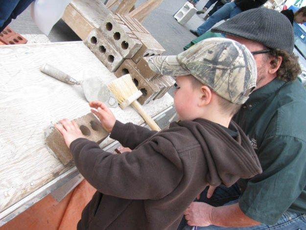 festival-maples-brick-laying