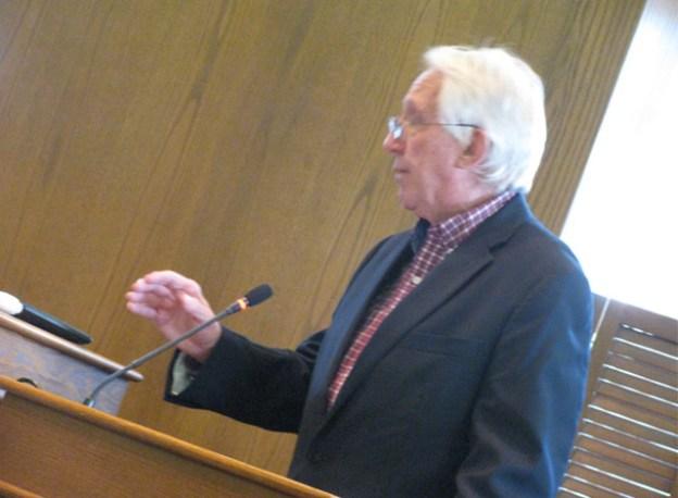 Former Mayor Dennis Staples