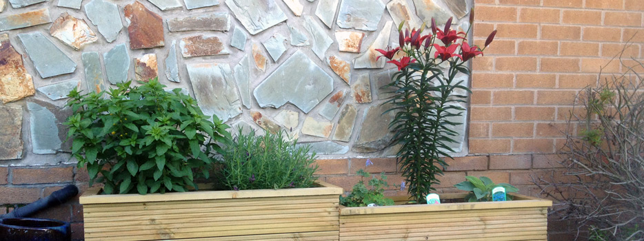 image of wooden planters for hometrades4u handyman in nottingham