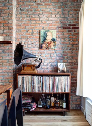 Music and Booze Go Well Together - Very Cool Home Bar Idea
