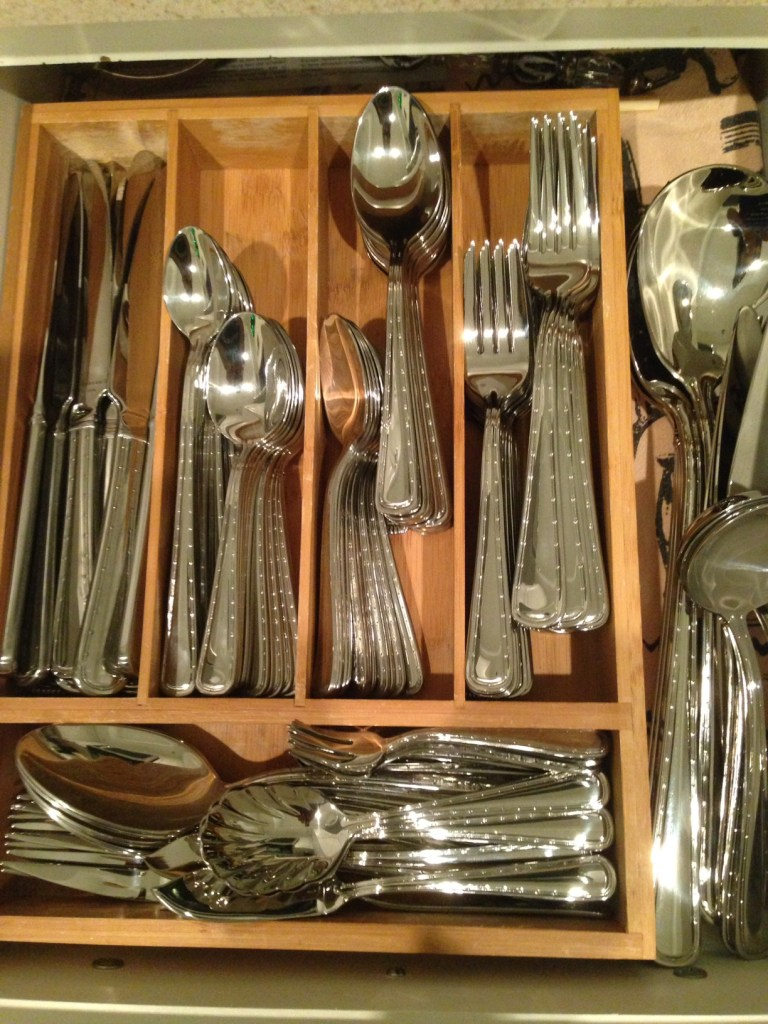 I'm proud to see the gleaming set of flatwarein my drawer!