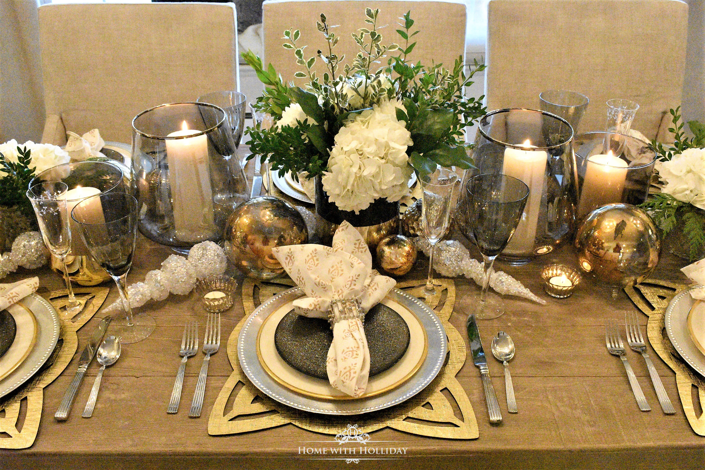 Gold and Silver Table Setting - New Year\'s Eve or Christmas - Home ...