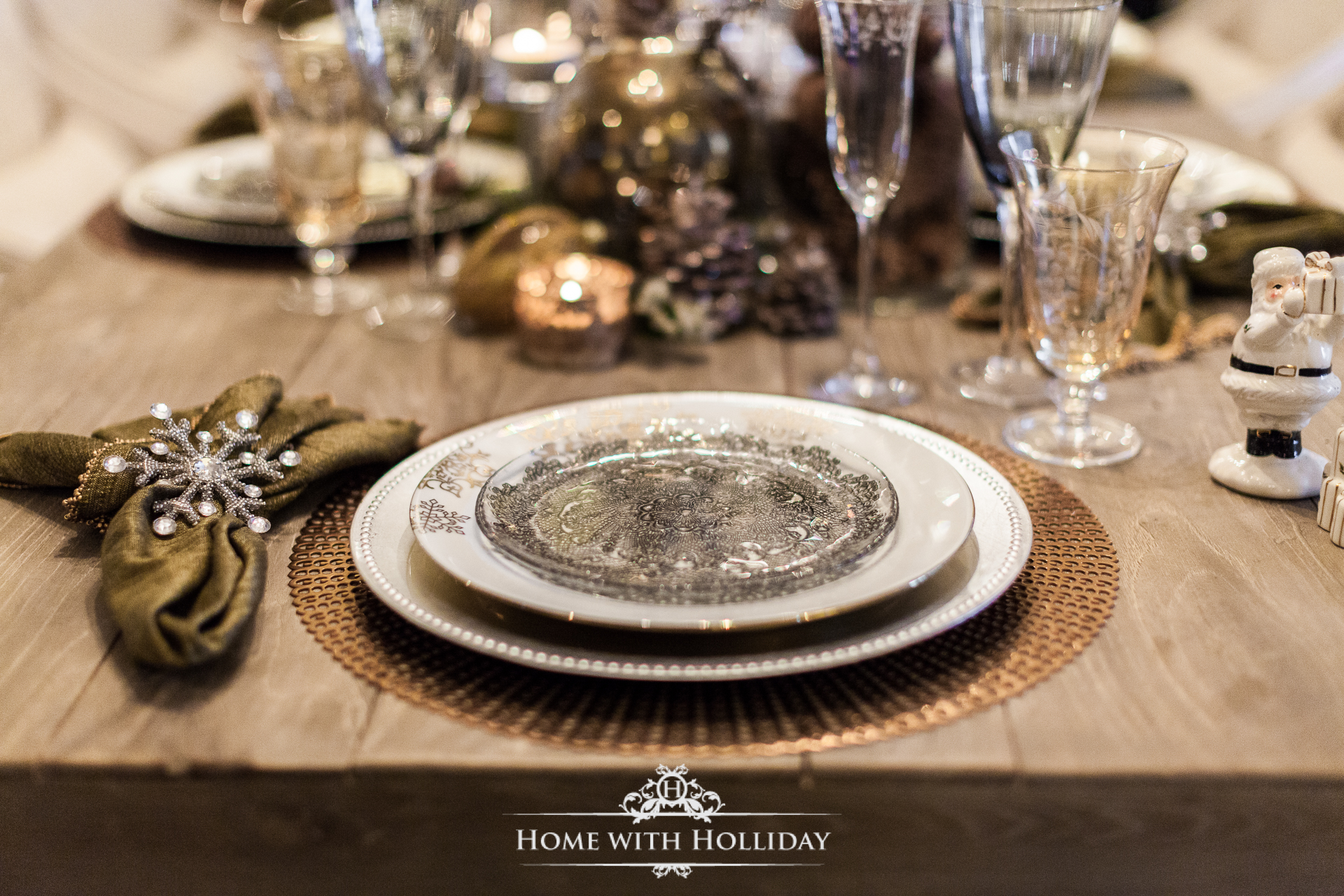 Winter Glam Dining Room Christmas Table Setting