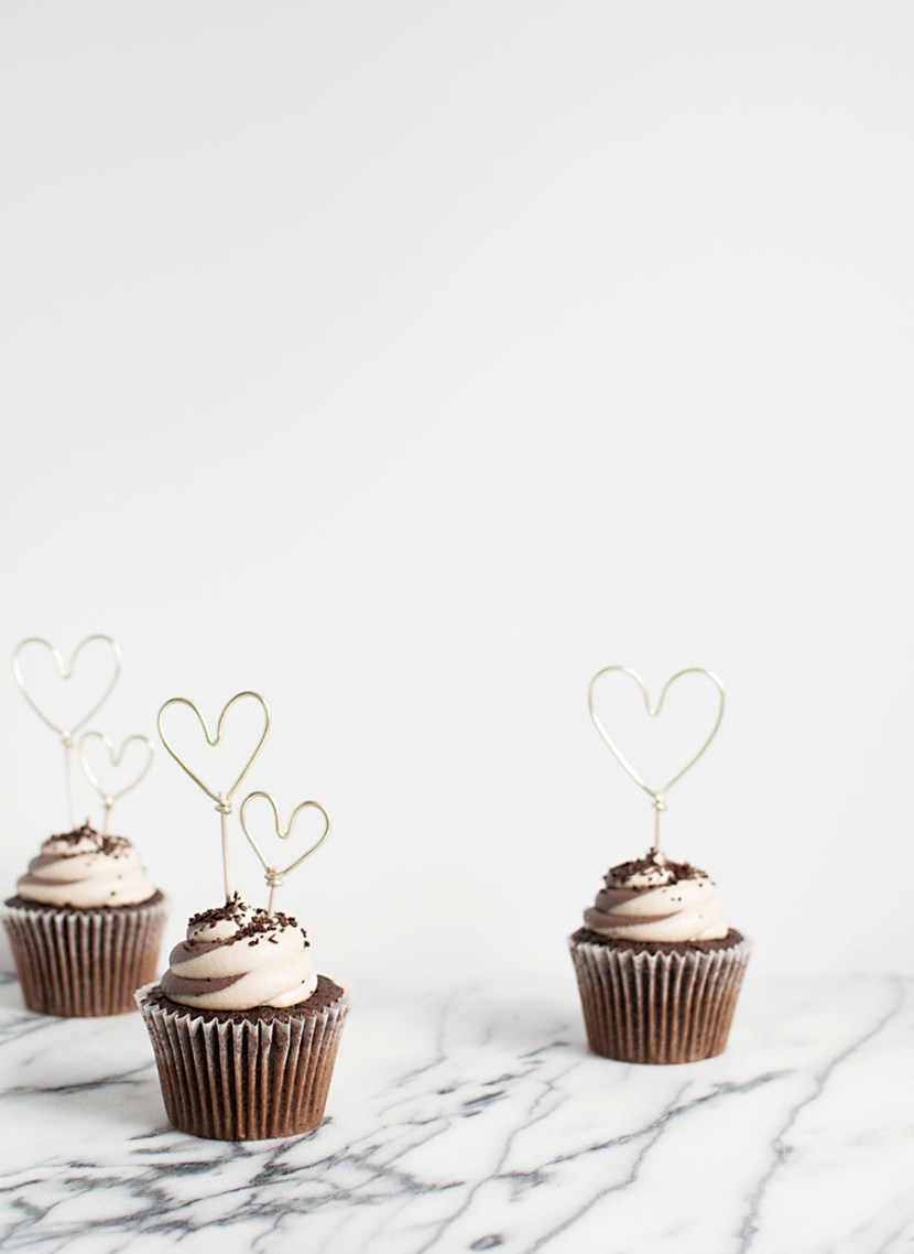 DIY- Gold Wire Heart Cupcake Toppers