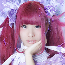 Mogeki Aza of Japanese yami-kawaii idolcore group Zenbu Kimi no Sei Da