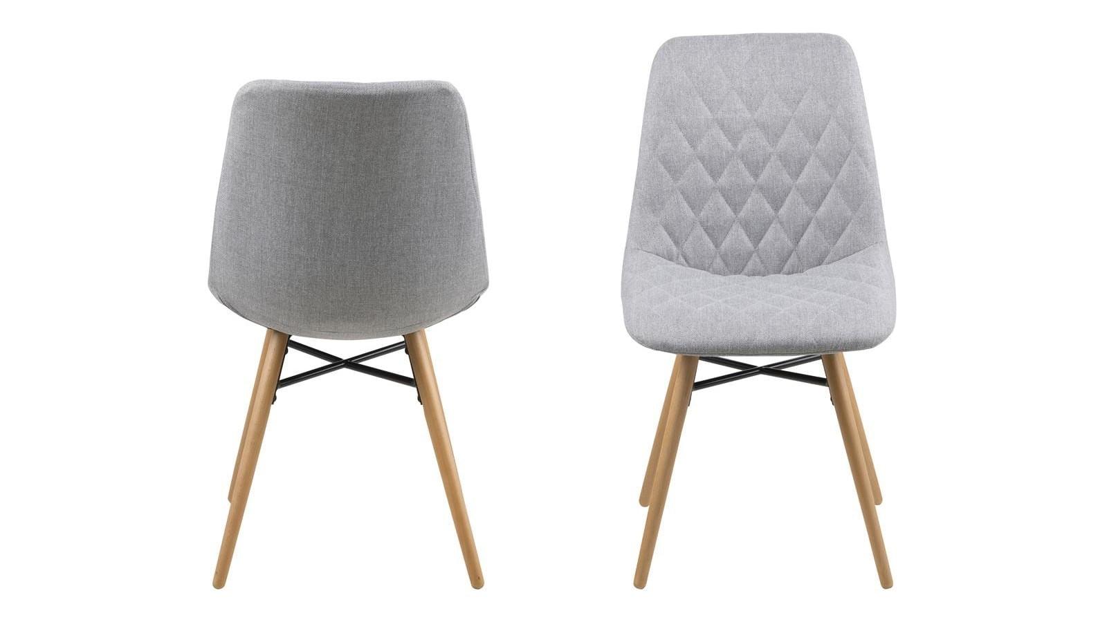 chaises scandinaves en tissu gris clair