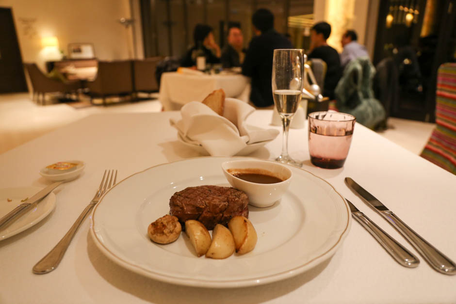 { 香港 } THE T HOTEL DINNING