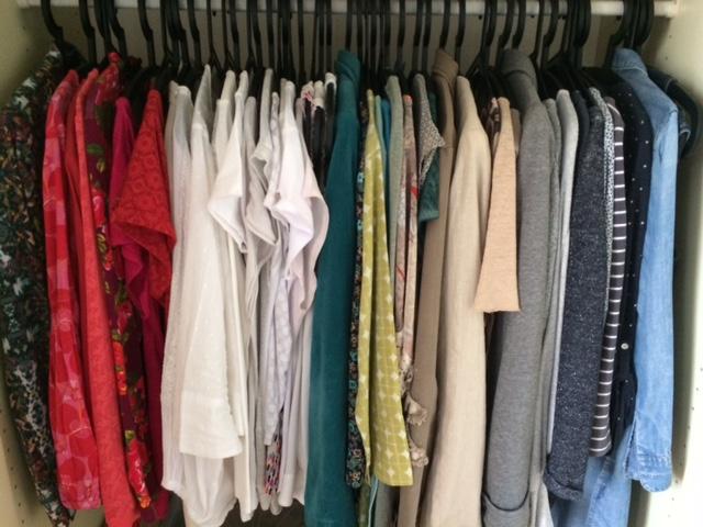 Acheter ses vêtements d'occasion : 10 très bonnes raisons, 1 effet secondaire et 1 interview