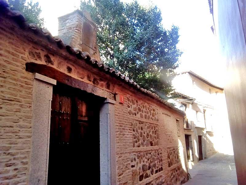 Olivo que plantaron los hermanos Bécquer en la calle San Ildefonso, 8 en Toledo.