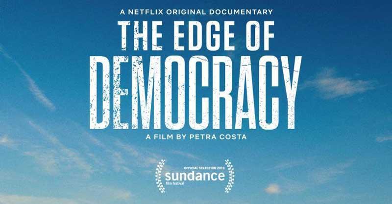 Al filo de la Democracia