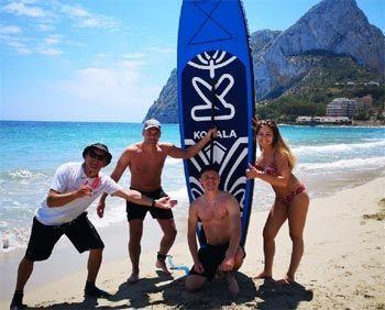 Practicar surf en Calpe