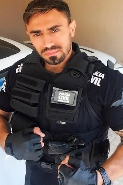 10 Policias Guapos Que Querriamos Que Nos Arresten Homosensual Nosotros los guapos temporada 4 capitulo 22 ¡el vítor se convierte en biker para ligar! 10 policias guapos que querriamos que