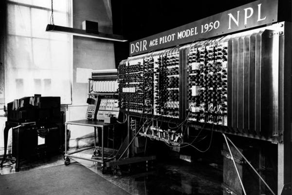 Alan-Turing-gay-informática-código-enigma-1